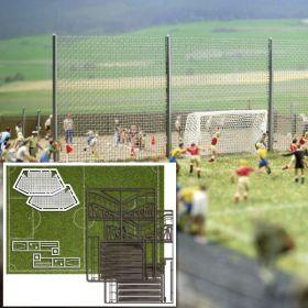 Busch 1052 H0 Voetbalveld inclusief goals en tribune