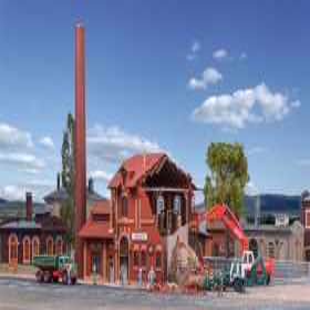 Vollmer 45621 H0 Brouwerij die wordt gesloopt