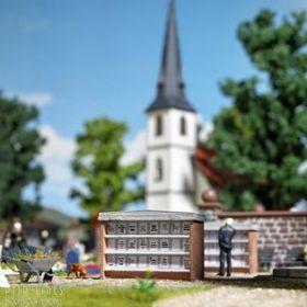 Busch 1093 H0 Twee urnenwanden voor op de begraafplaats