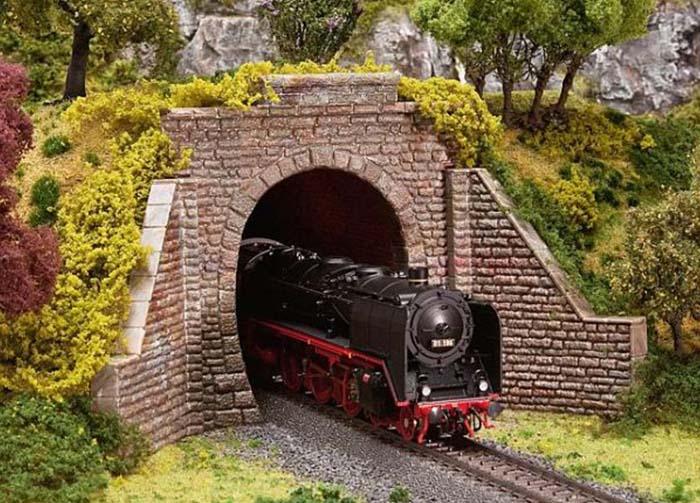 Faller Tunnelportalen